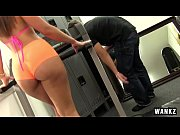 RoundJuicyButts KelsiMonroe Gym Rat Creeps Ass Tastic Babe NEW WANKZ March 19 2015 NEW Sweet 29 Min