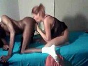 Лезбиянки играют со своими кисками языком фото