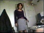 不倫旅行の最中に電車でローターを使って野外調教される素人妻