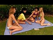 staraya-i-molodaya-lesbiyanka-video