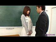 アダルト動画xvideosまとめ 淫乱な教育実習生が教室で教師とハメまくりwww