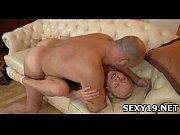 Жена застукала мужа с подругой порно