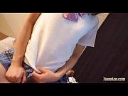 【XVIDEOSエッチ動画】先生が女子生徒を部屋に招き入れるw