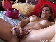 Безплатно порно фото больших клиторов