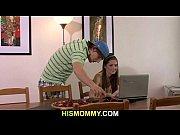 Смазка мастурбирует порно видео