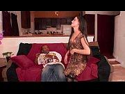 Смотреть порно жена ебет мужа страпоном в жопу