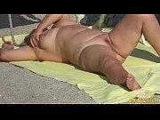 Picture Nude Beach Voyeur Amateur - Close-Up Pussy M...