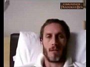 andré segatti mostrando o pau na webcam