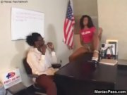 Americana negra fodendo com o professor