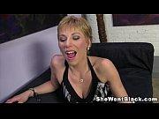 смотреть порно как 18и19летние девушки занимаются любовю и суют вибраторы