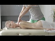 Секси видео как девушки загорают в солярии