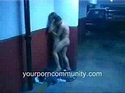 [覗き]先日、真夜中にマンションの地下の駐車場を通り掛ったら、真っ暗い中に白い影が見えたので幽霊かと思ったら発情した若いカップルが全裸になってブロージョブから後ろから犬のように交尾してるところでした! 公園で発情カップルを覗いて来ました。