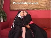 Suora troia scopa in culo col vescovo sister slut fucks the ass with