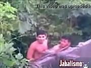 vídeo Operarios no mato - http://safadasdoporno.com
