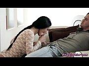 муж кончил дома в рот жене порно