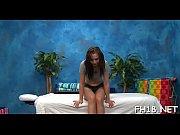 голые нудистки в спортзале видео