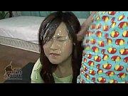 素人のオナニー無料熟女動画。       ガチの素人人妻にオナニー鑑賞させて、髪の毛までベトベトになるぐらいにザーメンをぶっかけていく!