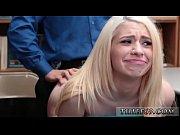 2 блондинки подрочили в туалете