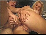Порно с чистильщиком бассейна и хозяйкой