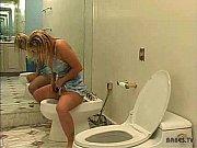 porno-dami-v-tualete