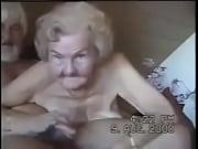 Зрелая блондинка в чулках совратила сына фото 329-266