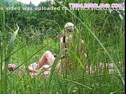 Молодые лесби на природе