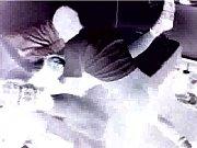 Filmando em negativo a transa do careca com sua amante