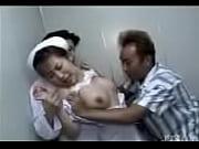 患者に犯される聖職者の看護士ナースが坂口れなに扮して犯される