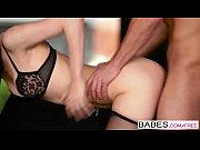 порно худенькую малышку в троем ебут