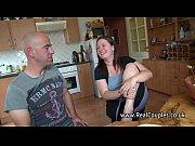 Видео мужчина бреет ей писю смотреть онлайн