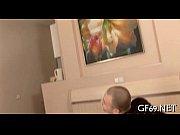 Муж смотрит как его жену ебут по-русски