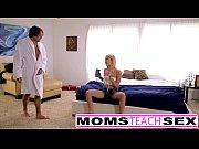 Madrasta fazendo sexo com filho e filha do seu marido