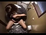 【トイレオナニー盗撮映像】気持ち良いのか足がぱかぱかしている