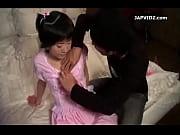 【ちっぱい】ゴスロリ少女が可愛すぎてエッチな悪戯したらもう止まらなくなっちゃった!