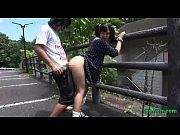 私服JKが山奥の駐車場で彼氏とイチャイチャ立ちバックセ●クス – スポンサー広告カップル