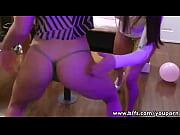 видео фильмы про бикини