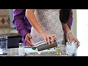 Раздвинутые женские попки видео