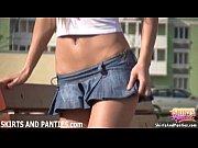 Смотреть как молодые телочки красивые раздвигают ножки для секса