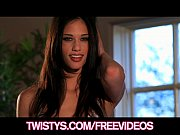 Picture Beauty Tiffany Thompson rubs her pussy through he...