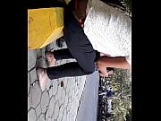 трогал пизду на карусели секс видео