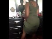 Ebony freak twerks