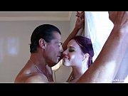 Видео девушки целуются с большими сисями по русски смотреть