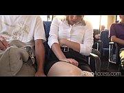 可愛い美少女がバスで眠ってる時に隣の男性に痴漢され男達に囲まれ無理矢理イラマチオされる無修正動画の無料エロ動画