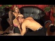 Девушка первый раз трогает член у дяди фото 442-169