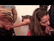 Видео как парень лишает девушку девственности