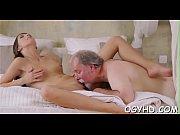 порно в сауне мужик с длинными волосами