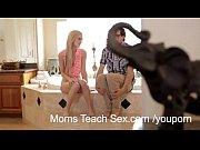 Mãe fodendo com namorado da filha
