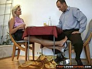 Порно видео ножки под столом
