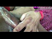Порно онлайн массаж увидел на пляже предложил сделать массаж