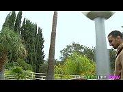 Видео голая девушка на шпагат